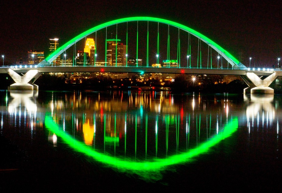 Mpls Lowry Bridge, they change the light every so offer