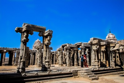 The mesmerizing Lepakshi