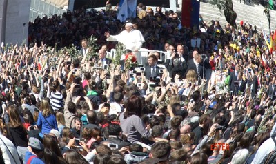 Pope Francis and the faithful