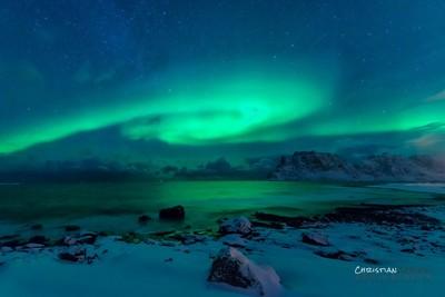 Polar light - passing by