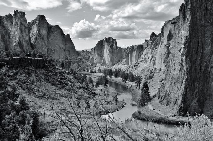 Smith Rock  Vista by shema - Black And White Compositions Photo Contest