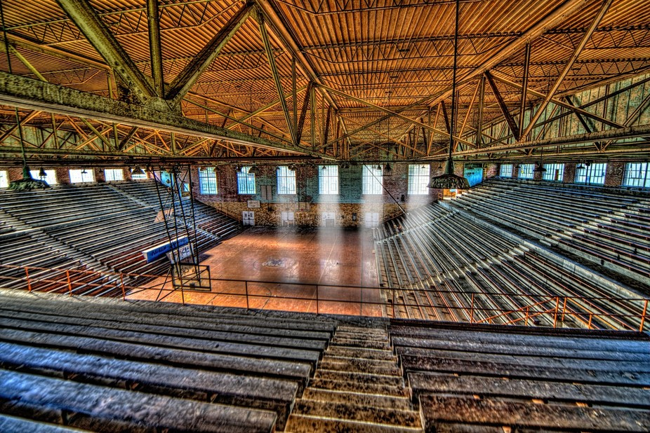 Abandon Gymnasium in the midwest