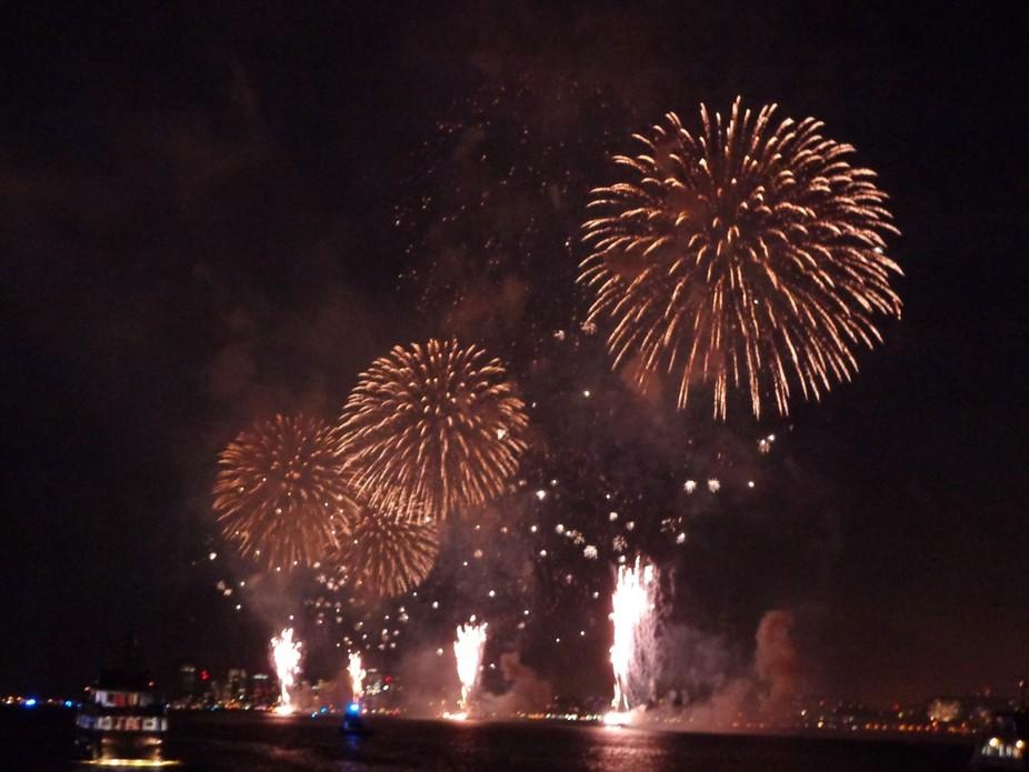 Macys 4th of July Fireworks - NYC Hudson River