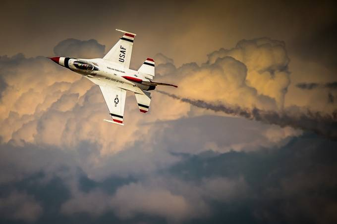 Thunderbirds - USAF by pauloperes - Show Movement Photo Contest