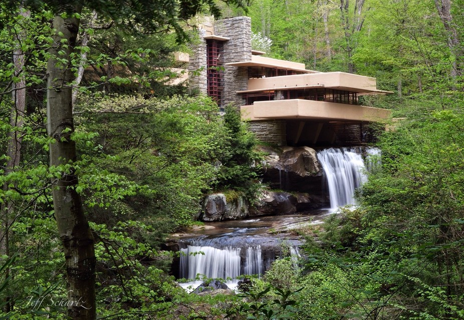 Frank Lloyd Wright\'s masterpiece home in Pennsylvania.
