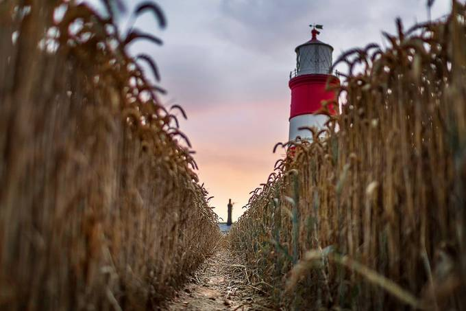 Happisburgh Lighthouse by bengreenphotography - Farming Photo Contest