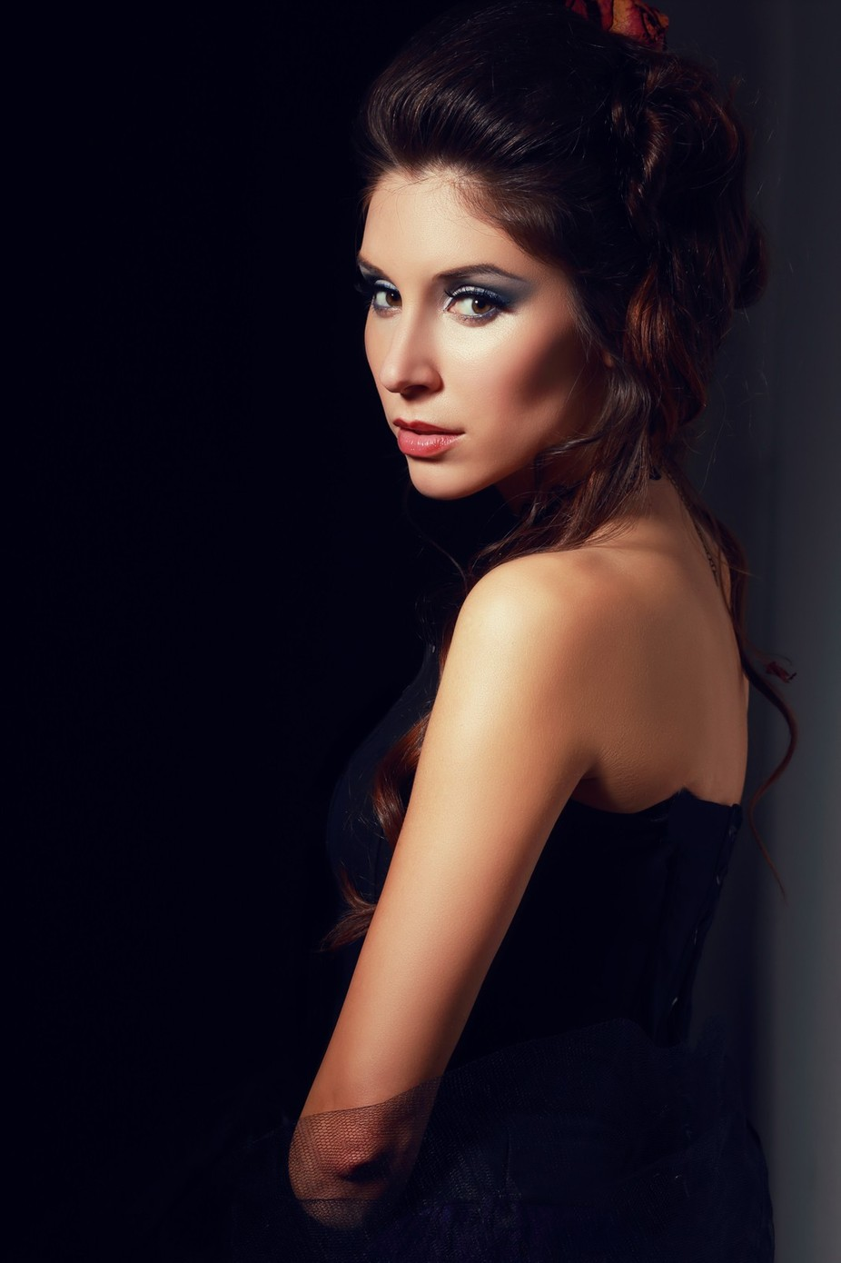 vampire victorian style woman by olenazaskochenko - Fill Flash Photo Contest