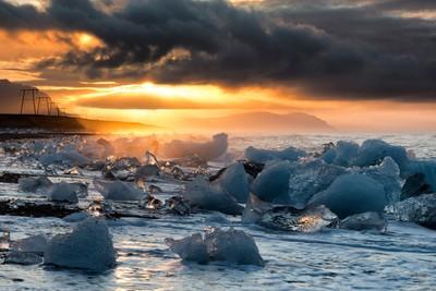 Dawn on the beach at Jökulsárlón, Iceland