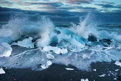Icebergs on the beach at Jökulsárlón, Iceland