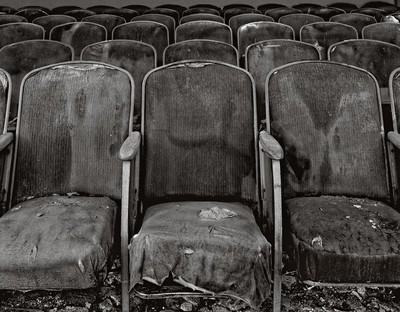 450130_3 Uptown Theater Chairs Superior, Arizona