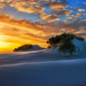 South Australia, Ayre Peninsula. Camped amongst the sand dunes. Spectacular sunrises and sets…..and lots of wind.