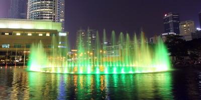 Illuminated-Fountain@Twin-Towers