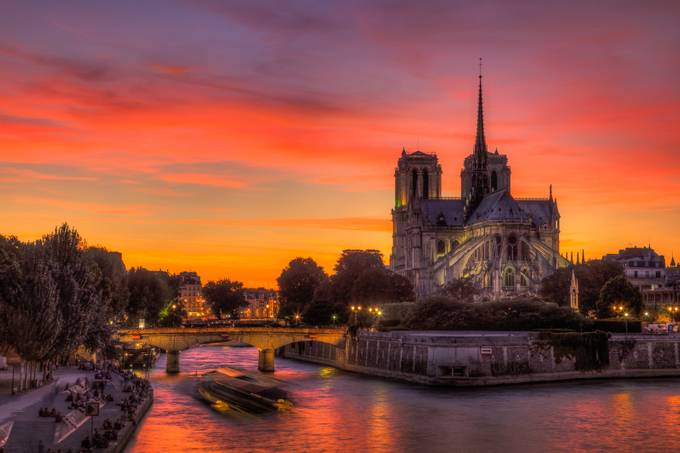 Notre Soleil by bitterer - City Of Love Photo Contest