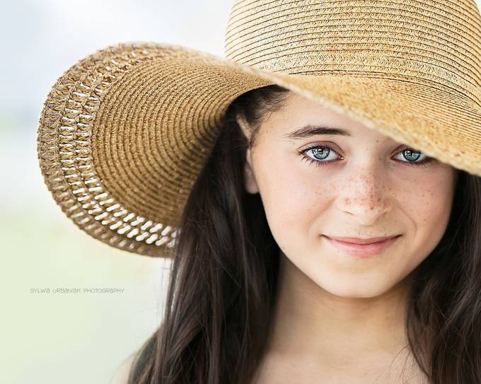 In The Hat by SylwiaUrbaniak - Summer Portraits Photo Contest