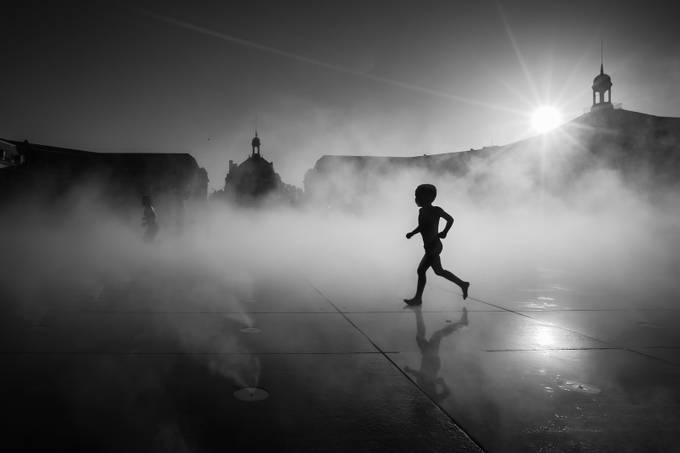 High contrast in black and white photo contest winners for Miroir winners