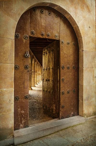 door and cloister of the convent of Las Duenas, Salamanca