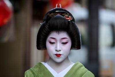 Geiko around Miyagawa-Cho, Kyoto-812671