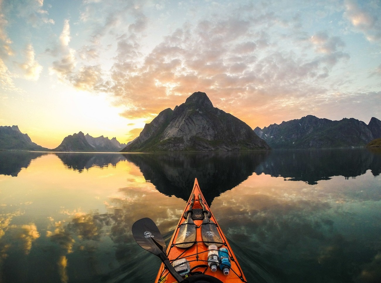 16 Photos Showing The Zen Of Kayaking