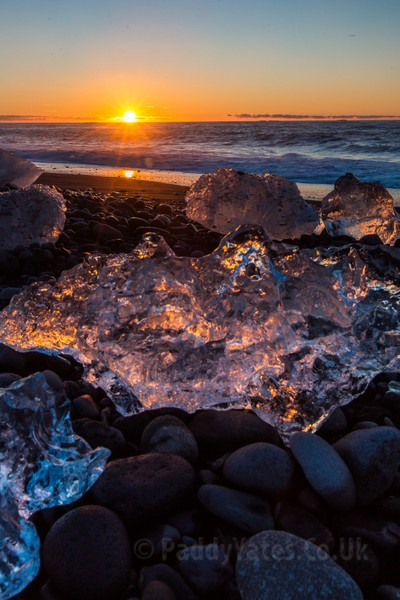 Jökulsárlón beach at sunrise 2