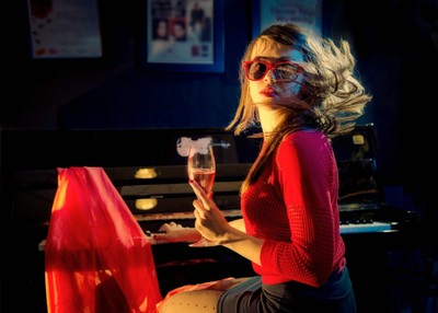 Beauty, Piano and Champagne