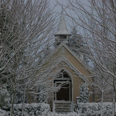 Heaven's Gate - 1ST snow - illuminates this Church in Qualicum Beach 26 Nov 2006