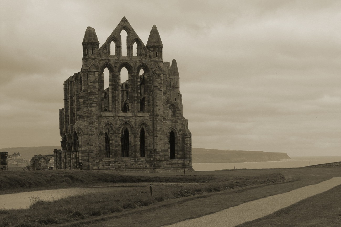 Whitby Abbey (of Dracula fame) and overlooking the bay of Whitby, Yorkshire, UK