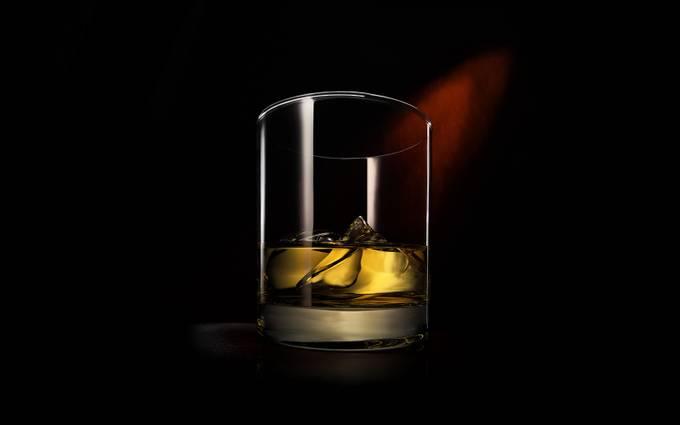 Whisky On The Rocks by WitoldBacia