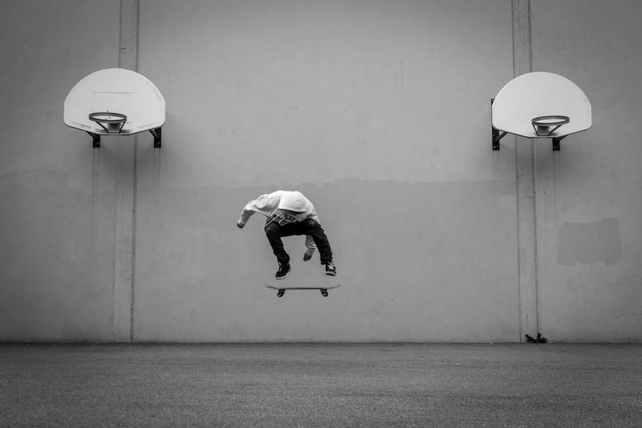 J J Ralph - Flatground Kickflip