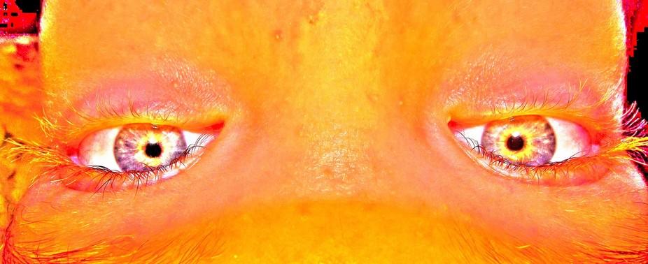 DSCF0727 eyes of glow