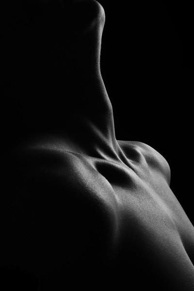 Nude neck