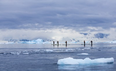 Stand-Up-Paddleboarding in Antarctica