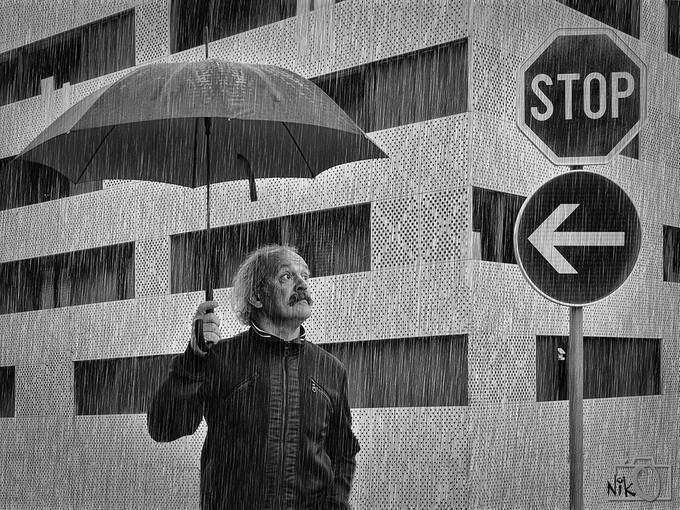 RAINSTOP by nikosladic - People In The City Photo Contest