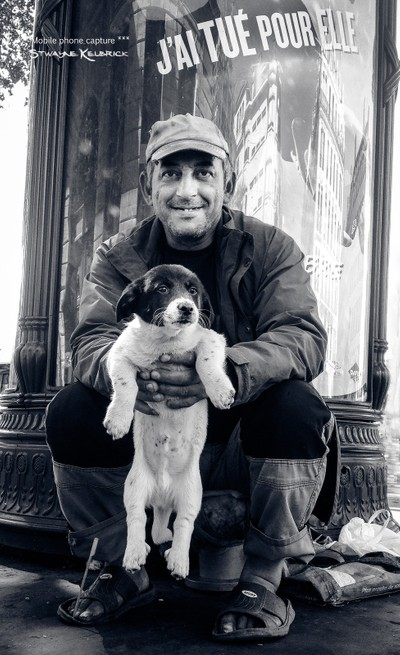 The vagabond and the puppet dog