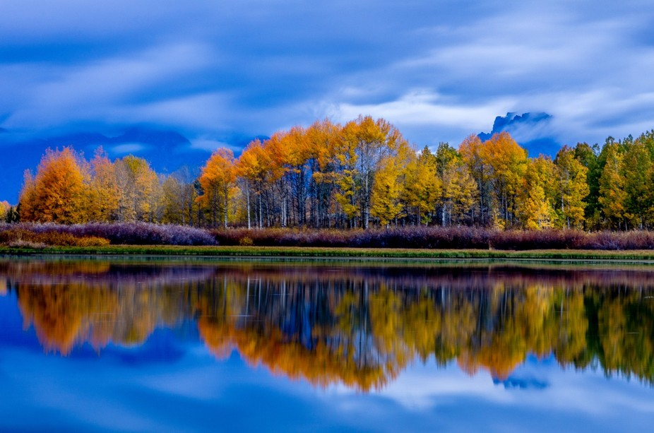This was a gorgeous fall morning at Oxbow Bend in Grand Teton National Park, Wyoming.  http://5-r...