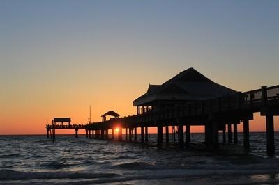 Sunset under Pier 60