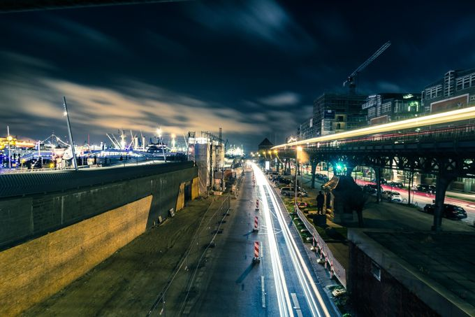 Hamburg Rush by FrauGipp - Fast Photo Contest