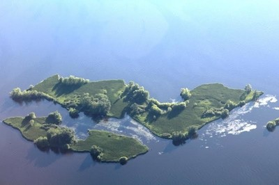 Lake Petenwell Islands
