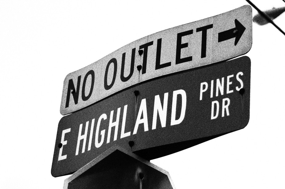 Beautiful and informative Street sign in Palm Beach Gardens, FL.  Love the curves, color contrast...