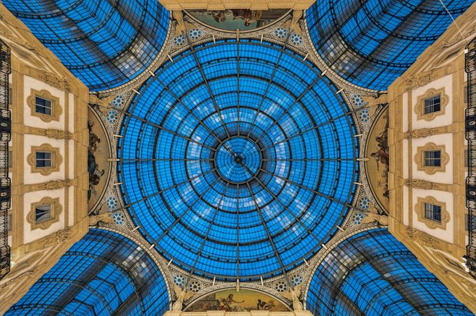 Italy - Magic roof in Shopping Mall by jacobsurland
