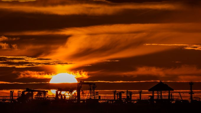 Crown of Fire by ChshreCat - City Sunsets Photo Contest