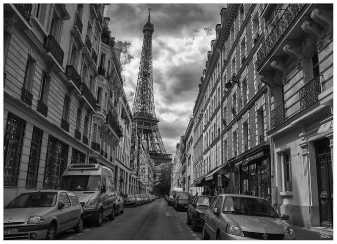 Rue with eifel tower by Mikey_BiBi - Paris Photo Contest