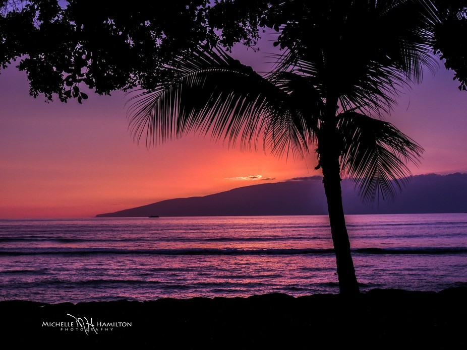 On my recent trip to Maui, I stopped to watch the sunset at the Launiupoko State Wayside Park.  T...