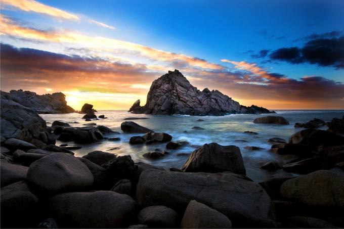 Rainbow Rock by 14renren - Discover Oceania Photo Contest