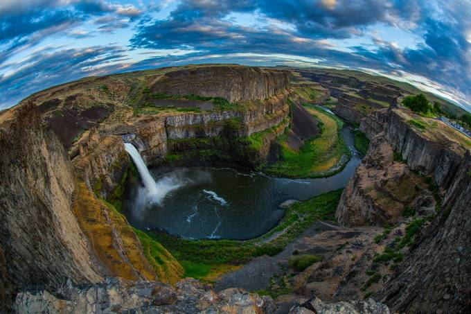 Palouse Waterfall by ManishMamtani