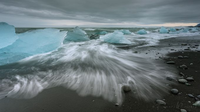 Jökulsárlón by Raagoon - The Four Elements Photo Contest