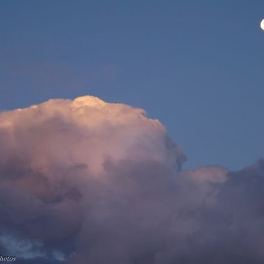 Full Moon Thunderhead