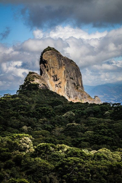 Pedra do Baú