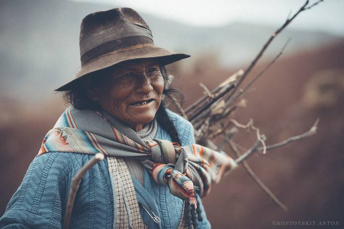Bolivian woman by Rostovskiy - Hats Photo Contest