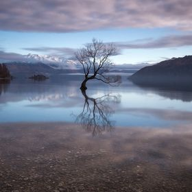 That morning, when I shot this photo, I was on my way from my hostel in Wanaka to the Matukituki Valley. When I drove next to the lake I noticed ...