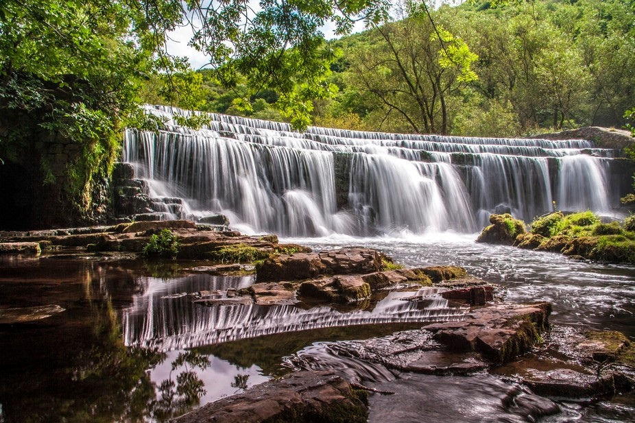 Whilst out with my daughter in Derbyshire for the day, we hiked along the river Wye in Monsal Dal...